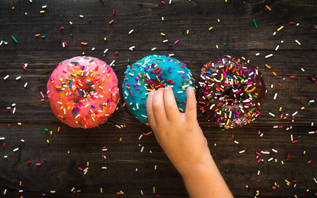 Părinții pot opri obezitatea copiilor. Ce au de făcut